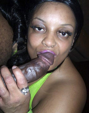 Chubby black mom Farrah Fox soufflant..