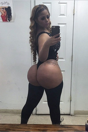 Stunning ebony lady shared secret sexy..
