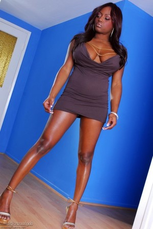 And again, our beauty Jada Fire..