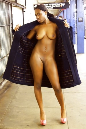Divine ebony girls fully nude, sweet..