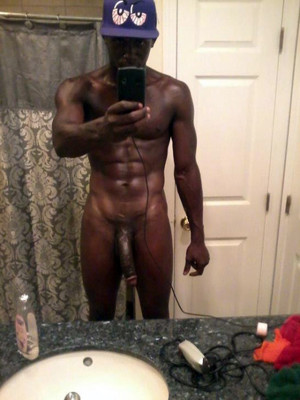 Black hunk shows photos of his 13 inch..